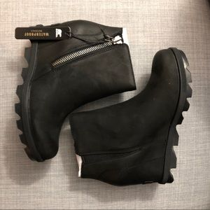 NIB Sorel Joan of Arctic Zip II Wedge